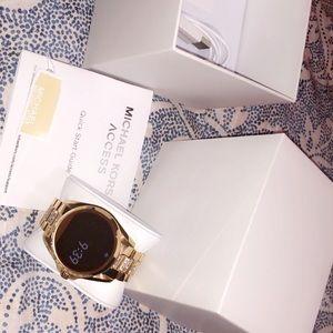 MICHAEL Michael Kors Accessories - Michael Kors Bradshaw gold - tone smart watch
